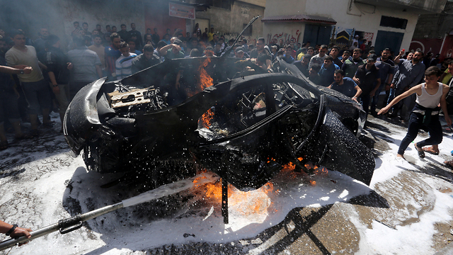 Hamed al-Khoudary's car after IDF strike (Photo: Reuters)