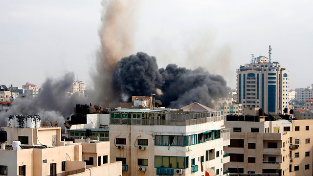 Hamas intelligence offices hit by IDF bombing (Photo: AFP)