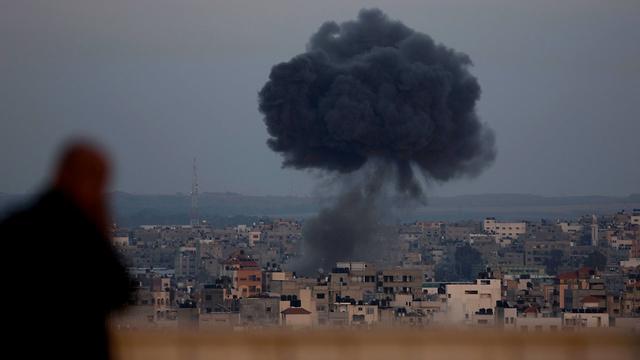 Gaza under Israeli attack (Photo: AP)