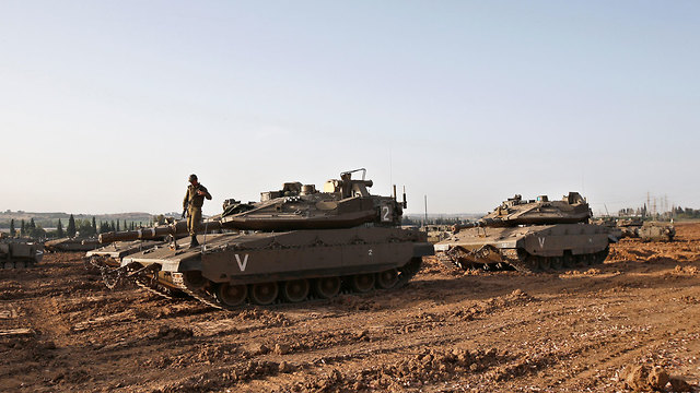 IDF tanks on the Gaza border (Photo: Reuters) (Photo: Reuters)