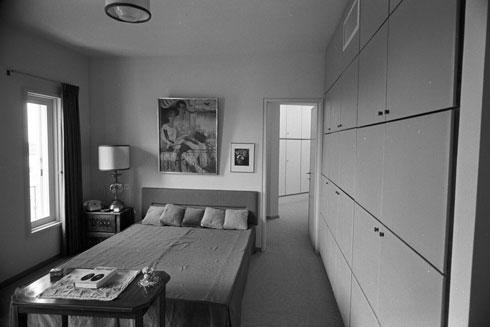 חדר השינה של אסתר אז (צילום: דוד רובינגר)