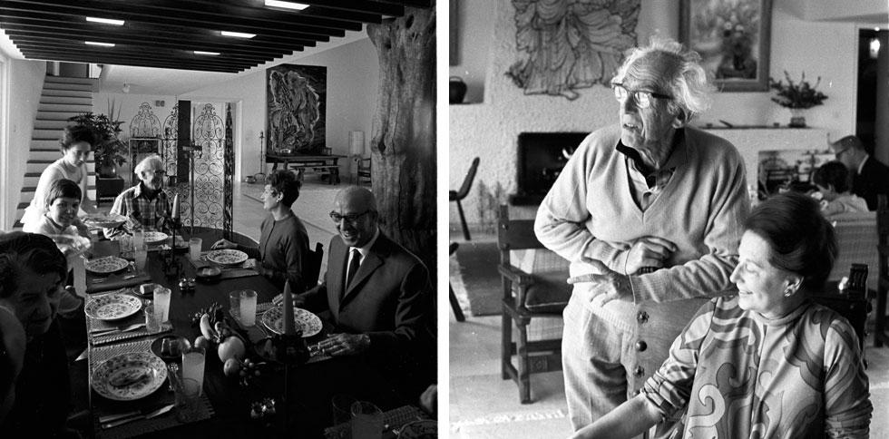 אסתר וראובן רובין בסלון שאהבו כל כך (מימין). רבים התארחו כאן, ביניהם אלפרד היצ'קוק וטדי קולק, עזר וראומה ויצמן (שהתגוררו ממש ממול), מעצבת האופנה לולה בר ומעצבת הפנים דורה גד, זובין מהטה וצ'יץ' (צילום: דוד רובינגר)