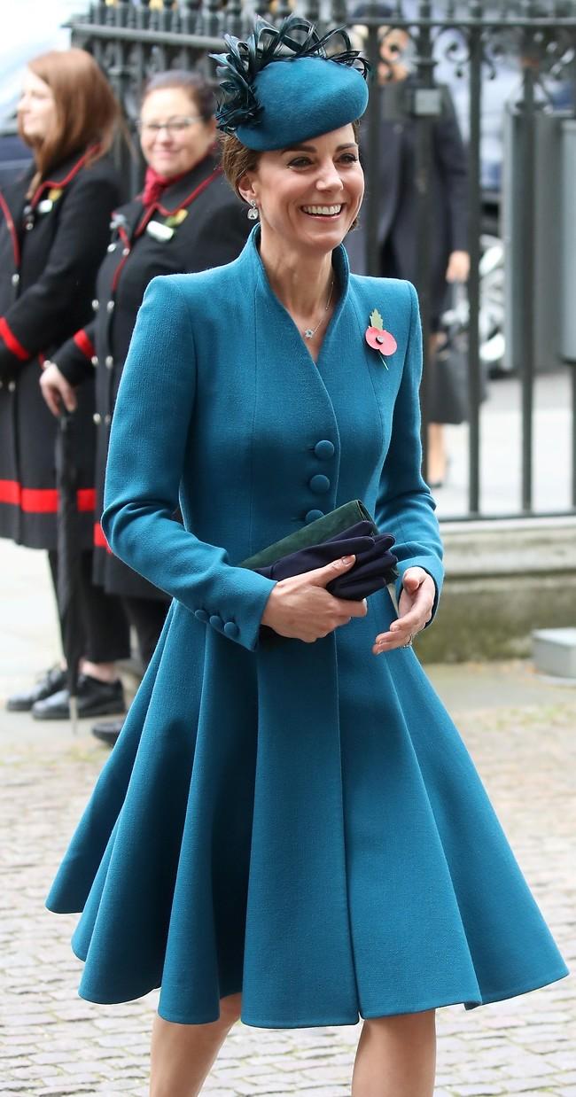 כך נראה חיוך של הבסטי של המלכה (צילום: Gettyimages)