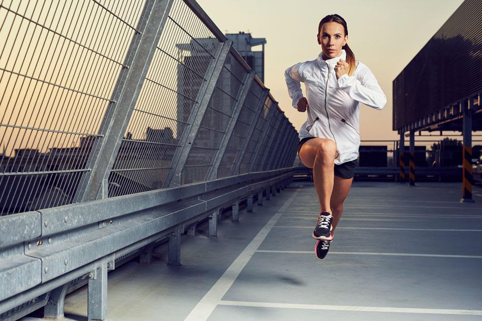 מחקרים שבהם עקבו חוקרים אחר השינויים במצב הסחוס בקרב רצים מצאו שלמעשה רק מעטים מהם סבלו משחיקת סחוס (צילום: Shutterstock)