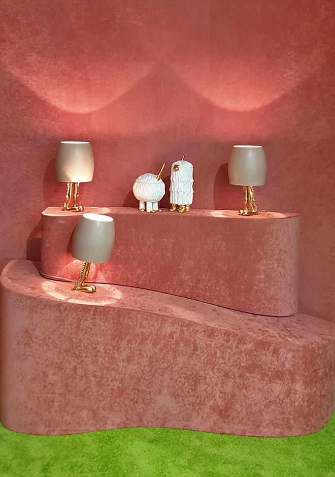גלריה Dilmos הציגה את שיתוף הפעולה בין צמד האמנים האמריקאים המדוברים Haas Brothers לבין מותג העיצוב L'objet (צילום: סיגל נמיר)