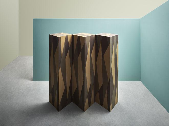 Gamperana Triplex, המיצב של מרטינו גמפר באולם התצוגה של Alpi, ביקש להציג דרכי הבעה חדשות בעץ