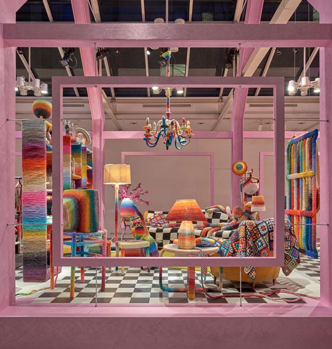 באולם התצוגה שלה בוויה סולפרינו נתנה Missoni Home ל-Alessandra Roveda, מעצבת תעשייתית עם אהבה לסריגת קרושה, יד חופשית. התוצאה: Home sweet Home (צילום: באדיבות רנבי)