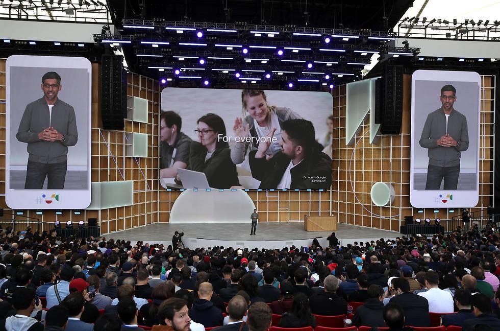 סונדר פיצ'אי בכנס המפתחים של גוגל (צילום: AFP)