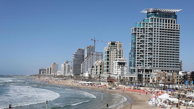 מזג אוויר חוף ים תל אביב (צילום: EPA)