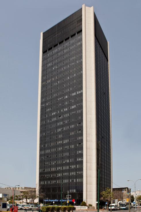 ''המגדל'' ברחוב דובנוב בתל אביב (בשיתוף ערי גושן) (צילום: אלי איתן, אדריכל: דן איתן ( ד.איתן-ע.גושן אדריכלים))
