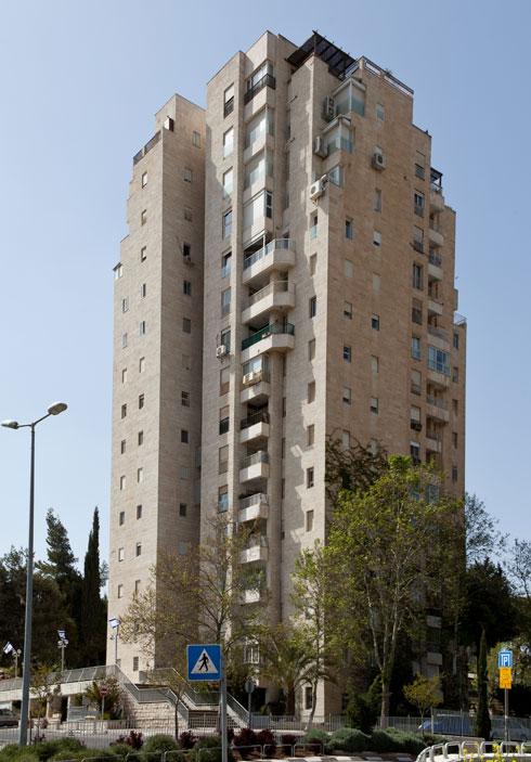מגדל עמריה בקצה שכונת טלביה (צילום: אלי איתן, אדריכל: דן איתן)