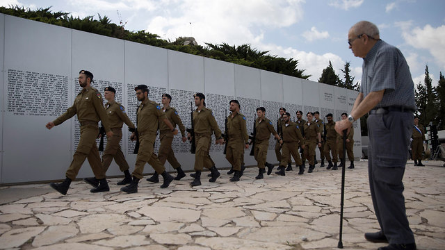 A memorial service for the Armored Corps at Latrun (Photo: AP)