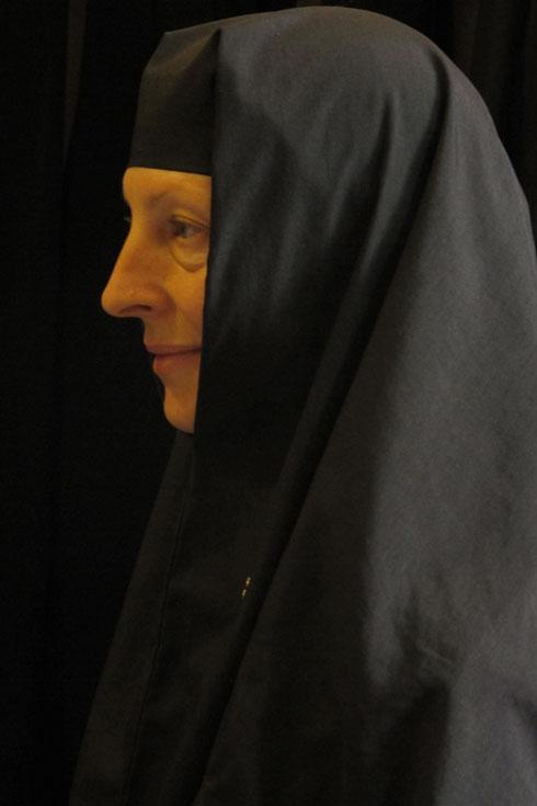 מועמדת לנזורה רוסית-אורתודוכסית במנזר מרים המגדלית, גת שמנים, ירושלים (צילום: יהלום בובטה)
