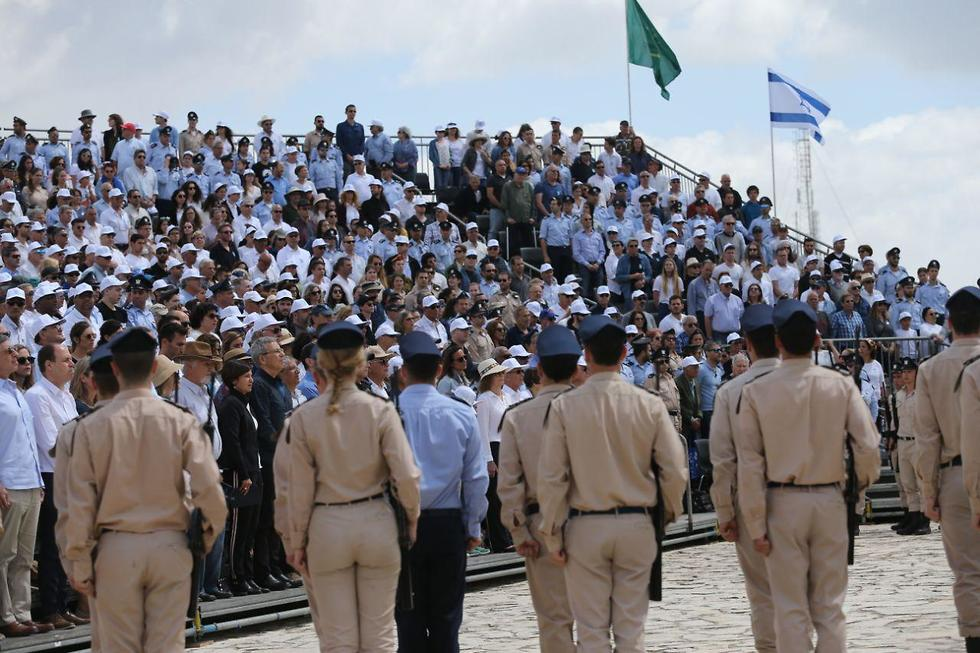 The Israel Air Force holds a service at its national memorial in Jerusalem (Photo: Alex Kolomoisky)