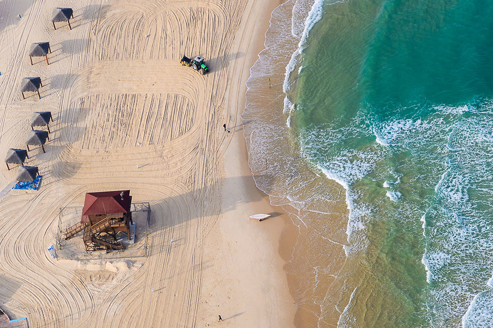 חוף הקשתות אשדוד  (צילום: ישראל ברדוגו)