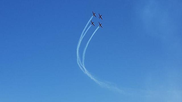 המטס מעל חוף אשקלון (צילום: בראל אפרים)