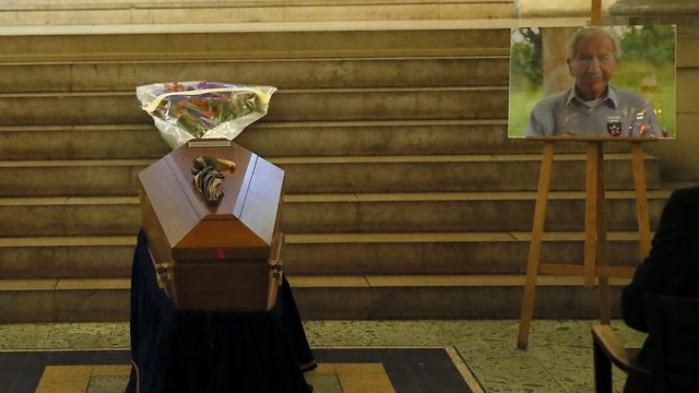 The coffin of late Jewish French-American World War II veteran, Bernard Dargols (photo: AP)