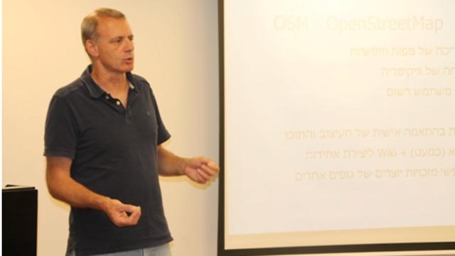 זאב שטדלר, מבין מובילי המיזם Open Street Map בישראל (צילום באדיבות דוברות האוניברסיטה העברית)