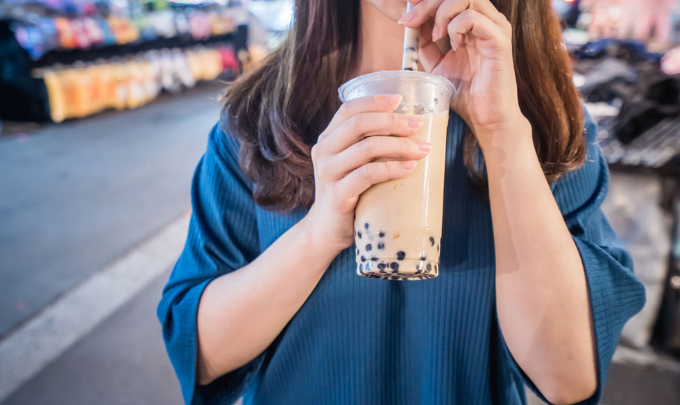 תה עם פניני טפיוקה הוא משקה טאיוואני מוכר (צילום: Shutterstock)