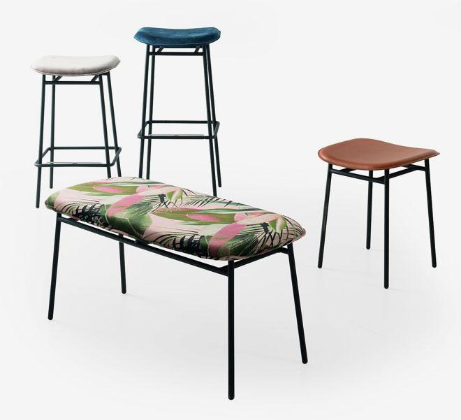 כיסאות עם ריפוד ''רזה''. ''קליגריס''