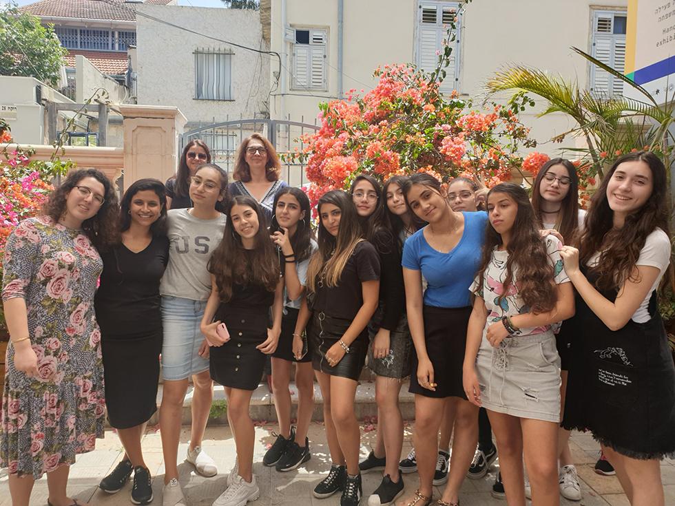 רכילות עסקית בנות עמותת שניר במוזיאון גוטמן (צילום: אסף לוי)
