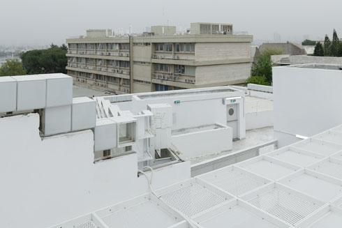 הפיקסלים העליונים במבט מהגג (צילום: גדעון לוין)