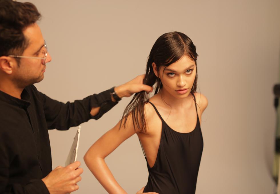 רומי פרנקל עם מעצבי השיער (צילום: אמיר אליסיאן)