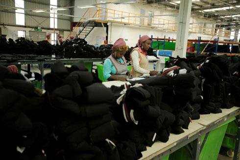 השכר הנמוך באתיופיה הופך את הייצור במדינה לכדאי עבור חברות מערביות, אפילו בהשוואה למדינות אפריקאיות אחרות (צילום: Reuters)