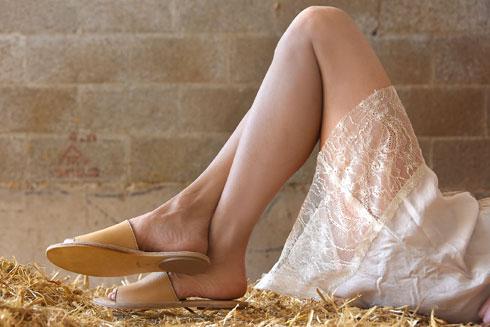 אמריה. 15 אחוז הנחה במותג הנעליים