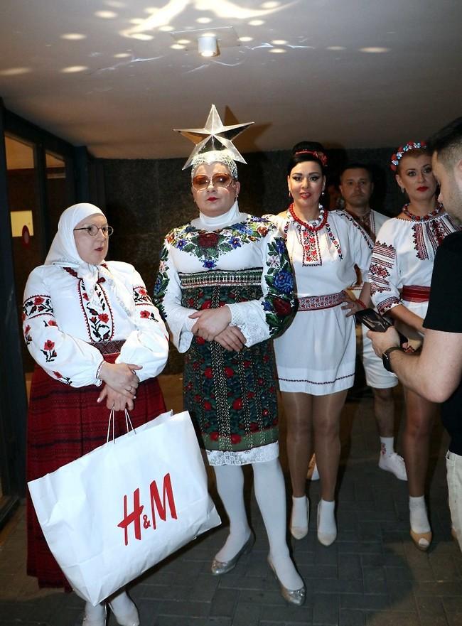 הספיקו לעשות שופינג. ורקה סרדוצ'קה, נציג אוקראינה לאירוויזיון 2007 (צילום: אמיר מאירי)