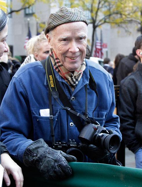 """קנינגהם ב-2016. """"האובססיה שלו היתה לצילום, כי זה היה המקום הבטוח שלו"""", אומר בוזק (צילום: AP)"""