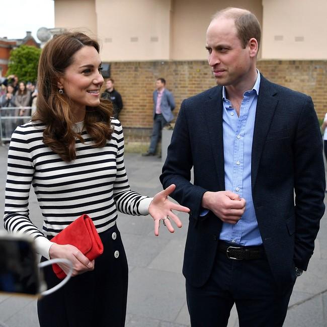 אצל הדודה והדוד. קייט מידלטון והנסיך וויליאם (צילום: Mega)