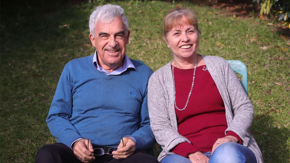 החיים מתחילים בגיל 70: מכרו את הבית ויצאו למסעות ברחבי העולם
