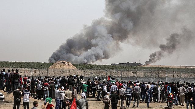 Les Palestiniens manifestent à la frontière de Gaza