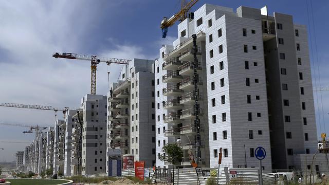 פרויקט מחיר למשתכן של חברת שבירו ביבנה. התוכניות לא תאמו את היתר הבנייה (צילום: עמית שעל)