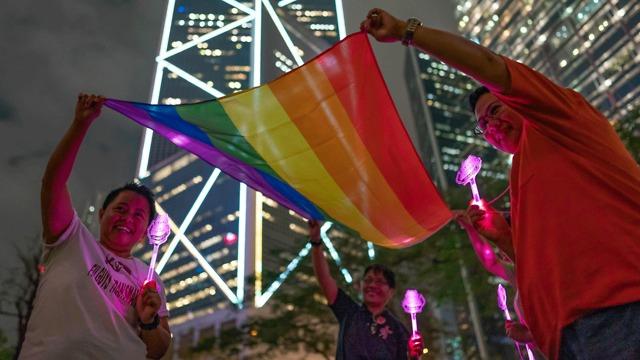 שמחה ברחובות טייוואן בעקבות אישור נישואים חד מיניים (צילום: gettyimages)