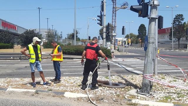 חשד לדליפת גז בצומת חלוצי התעשייה-יגאל ידין בחיפה (צילום: המשרד להגנת הסביבה)