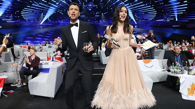 Hosts Lucy Ayoub and Assi Azar backstage at Eurovision 2019 (Photo: Getty Images)