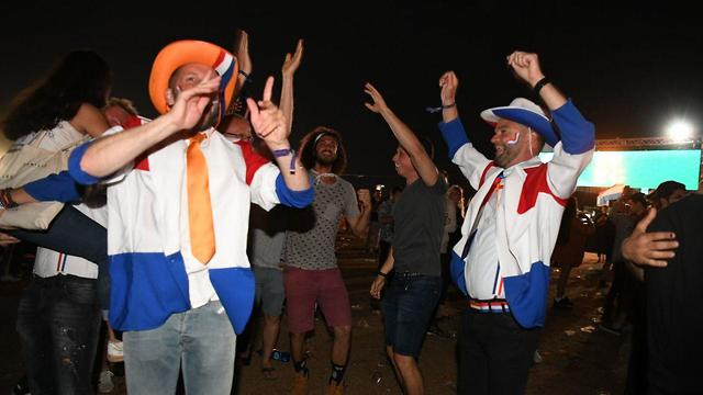 Netherlands fans celebrating Duncan Lawrence's win at the Eurovision Village in Tel Aviv (Photo: Yair Sagi)
