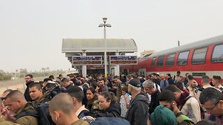 רכבת תקלה עומס נוסעים (צילום: יונתן)