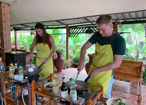משלבים כוחות בקורס לבישול (צילום: אלבום פרטי)