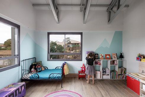 היום חדר משחקים, בעתיד חדרה של אחת הילדות (צילום: שירן כרמל)