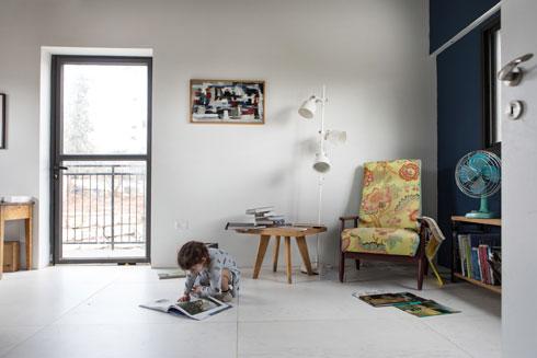 פינה במשרד הביתי (צילום: שירן כרמל)