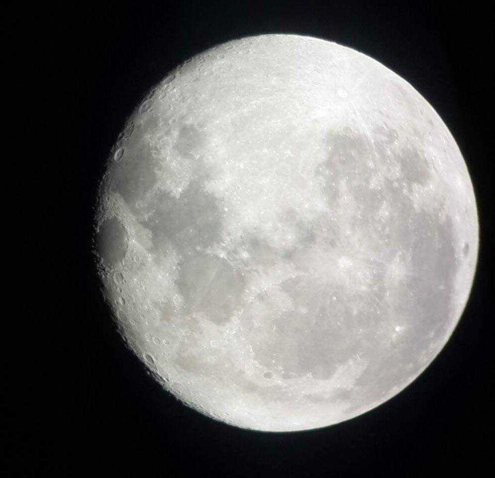 הירח (צילום: משה גלנץ)