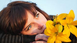 אישה בודדה רווקה (צילום: shutterstock)