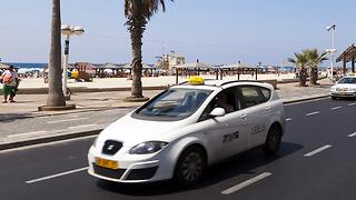 מונית בתל אביב (צילום: shutterstock)
