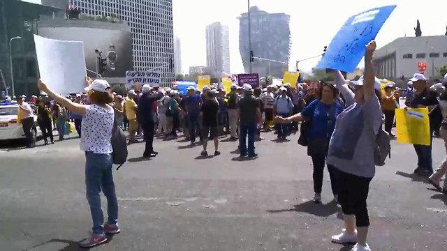 Демонстрация в Тель-Авиве против сокращения пенсий