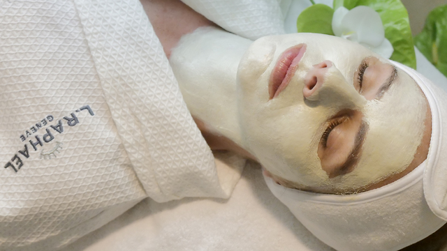 Diamond Powder Mask being used in one of the beauty centers