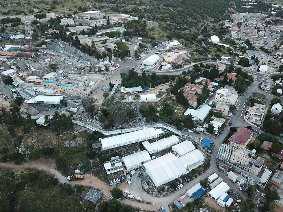 ההכנות להילולה: מבט על המתחם במירון (צילום: מוסדות אור הרשב