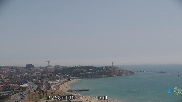 חוף צ'ארלס קלור לכיוון יפו - אחרי (צילום: עיריית תל אביב)